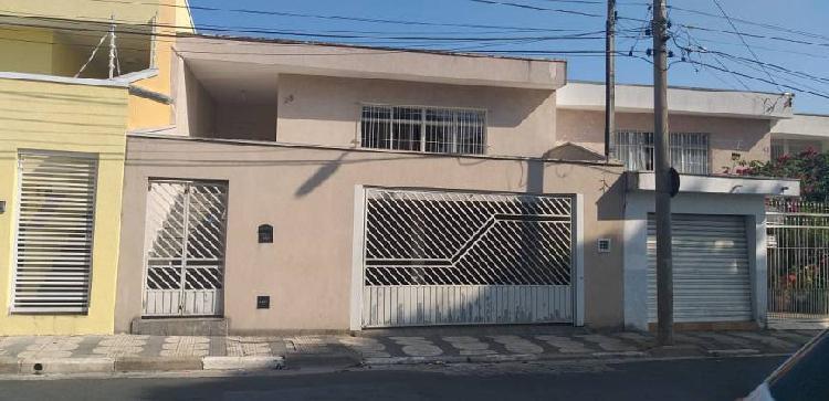 Casa para venda tem 187330 metros quadrados com 4 quartos em