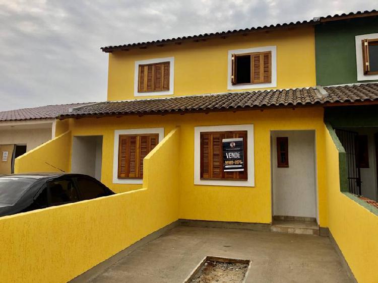 Casa 02 dormitórios, bairro porto verde.