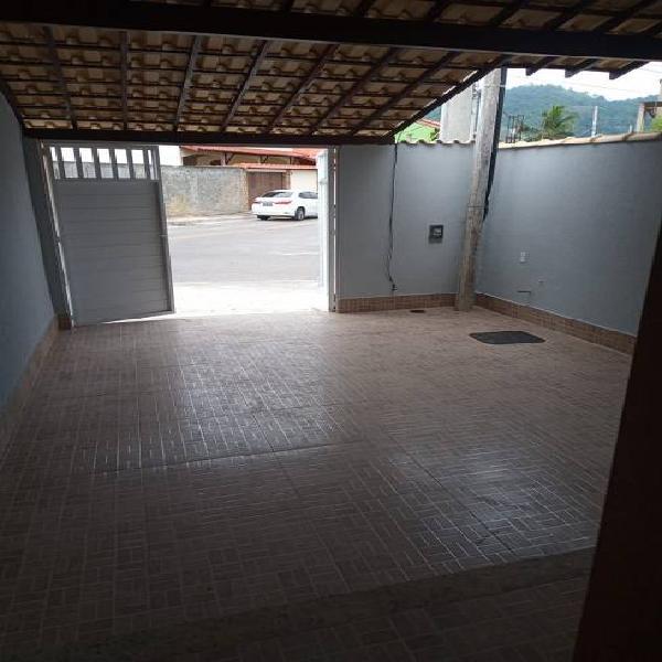 Casa duplex de 1ª locação (próxima a estrada do