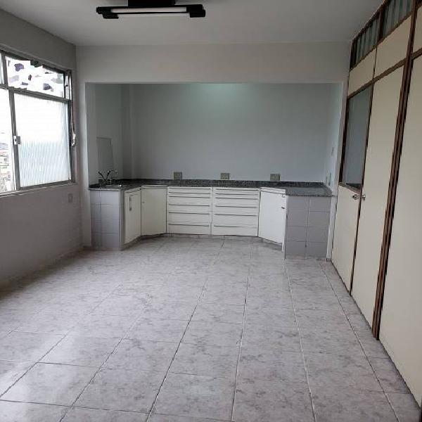 Sala/conjunto para venda tem 35 metros quadrados em bento
