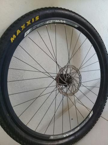 Roda aro 29 completa com pneu max