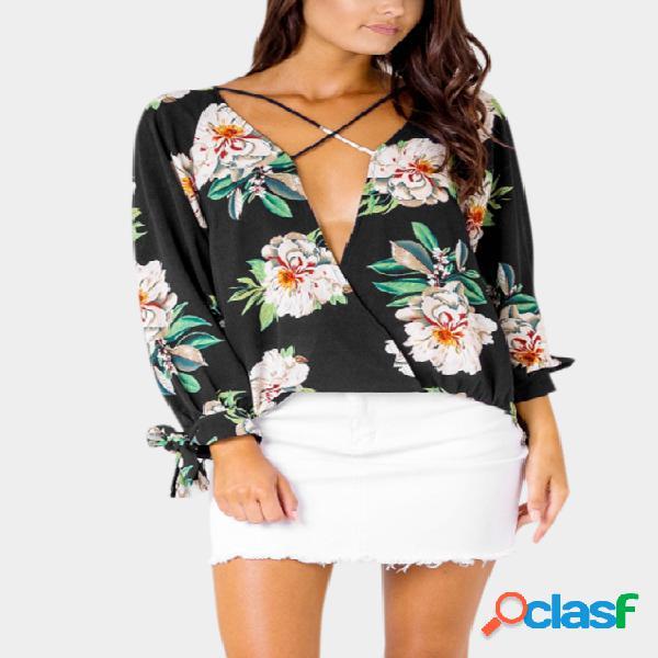 Blusa de chiffon com estampa floral aleatória em preto