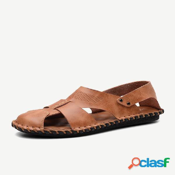 Sandálias masculinas costuradas a mão de couro de dedo de pé fechado