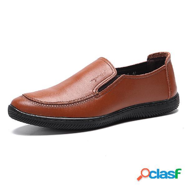 Deslizamento confortável da parte superior de loe do couro de microfiber dos homens em soft ocasionais loafers