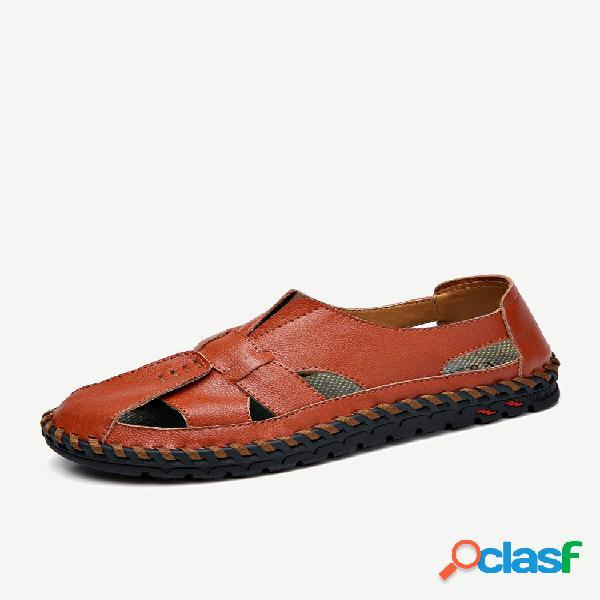 Sandálias de couro masculino com costura à mão e estilo fechado