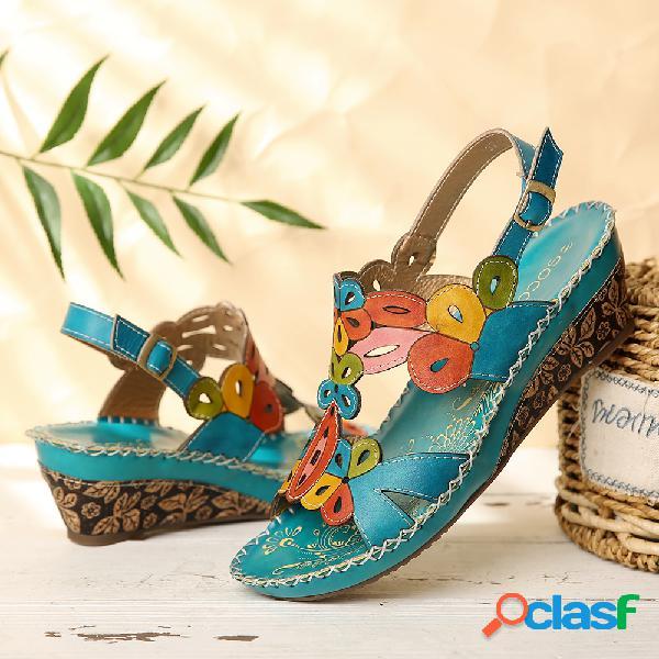 Socofy sandálias de couro fivela slingback floral recorte e costura cunha sandálias