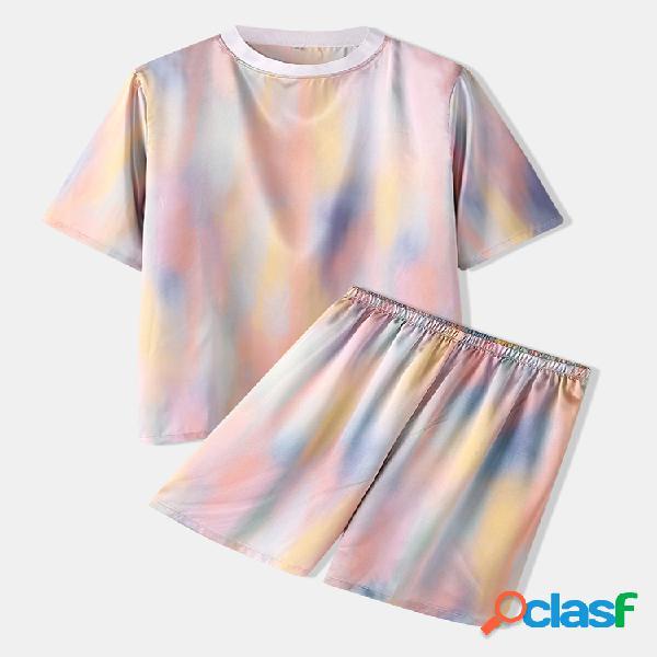 Conjunto de loungewear acolhedor com gradiente e estampado com tops de manga curta e pescoço para o pescoço comprimento