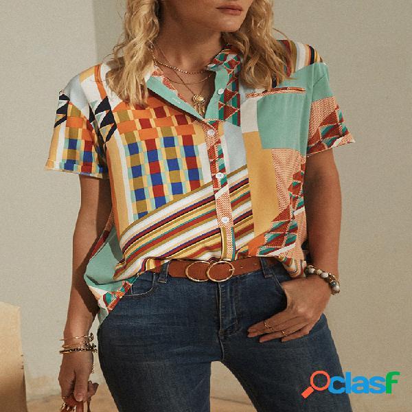 Blusa listrada geométrica estampada com colarinho manga curta