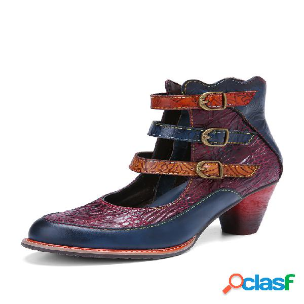 Socofy botas curtas com alça de fivela de três cores com relevo vintage em couro de vaca estampada antiderrapante