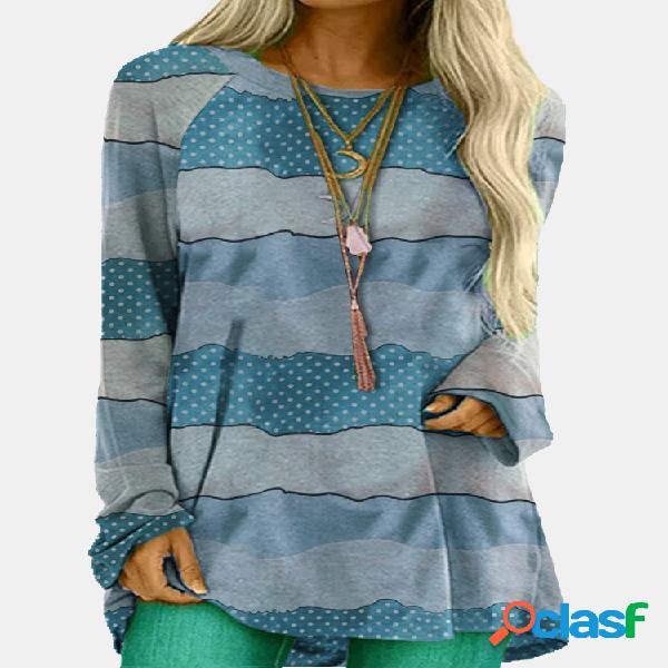 Blusa listrada estampada com decote em o e manga comprida