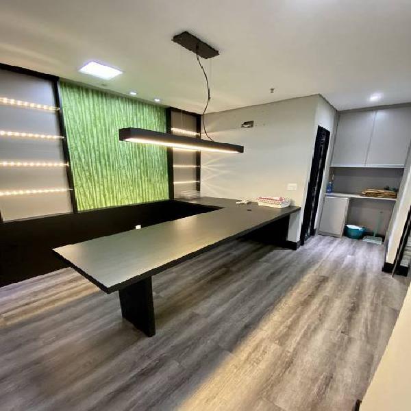 Sala/conjunto para venda tem 44 metros quadrados em