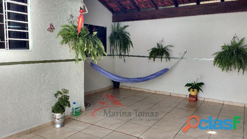 Casa à venda com 3 dormitórios no bairro Alvorada.