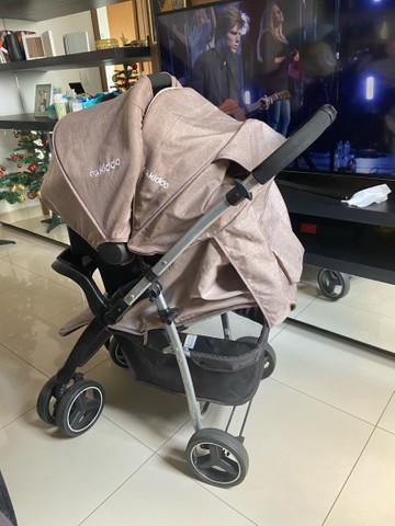 Carrinho de bebê c/ bebê conforto (conjunto)
