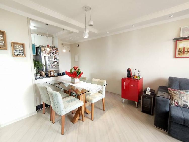 Apartamento com ótimos móveis planejados, 2 dormitórios e
