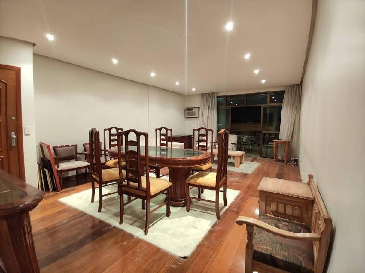Alto padrão 4 quartos com 2 suítes - 180 m²