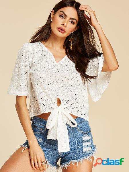 Yoins white hollow design blusa bordada com decote em v meia mangas