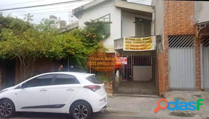 Casa com vocação para clínica, escritório, sede de empresa.