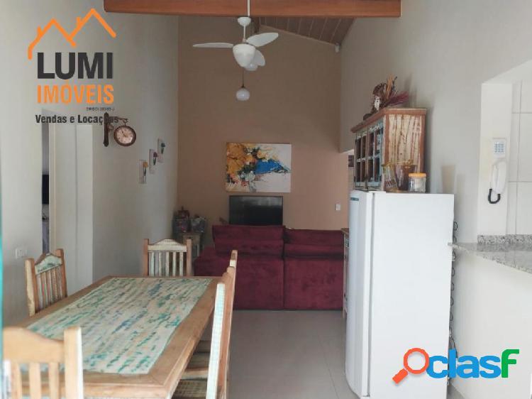 Centro, casa a venda, frente mar, 04 dormitórios.