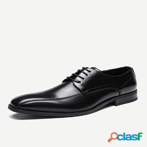 Sapatos formais de negócios elegantes de couro preto de microfibra masculino