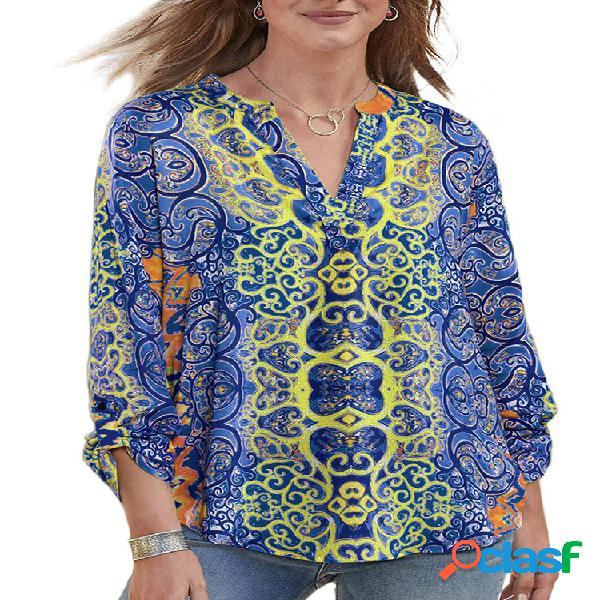 Blusa com mangas 3/4 e decote em v vintage