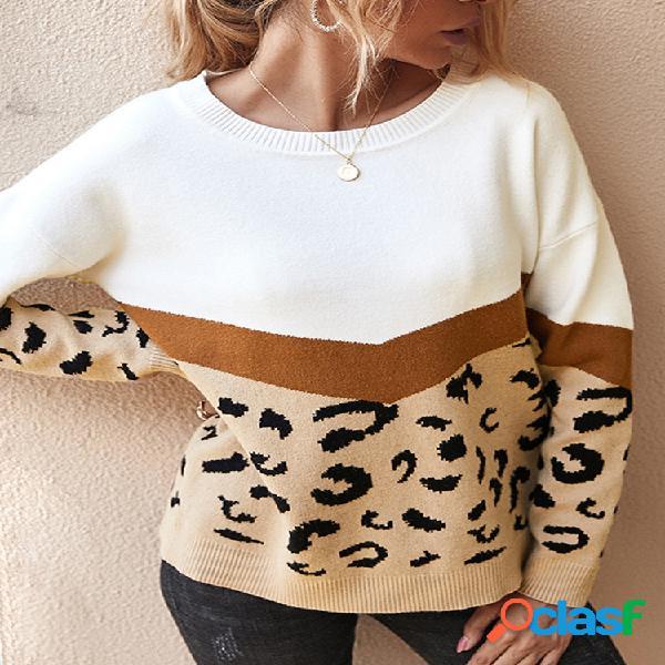Suéter de manga comprida com estampa de leopardo em patchwork com decote em o