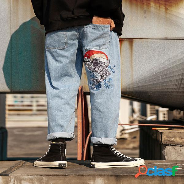 Moda masculina bordada com carpa hip hop em linha reta jeans