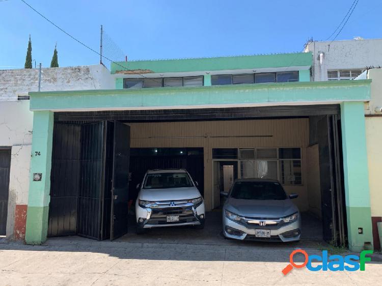 Casa adapatada como local comercial y bodega en zapopan centro