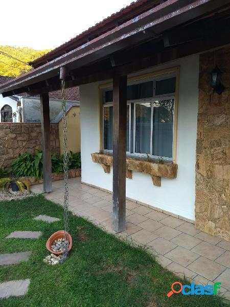 Excelente casa averbada à venda localizada no bairro carvalho