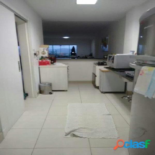 Ótimo apartamento à venda com 3 dormitórios no centro de itajaí