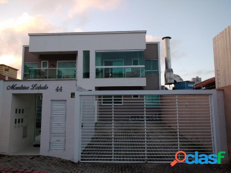 Excelente apartamento localizado na praia dos amores