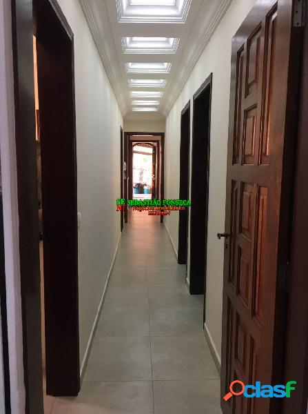 Casa com 03 dormitórios sendo 02 suítes e uma edícula em paraisópolis-mg
