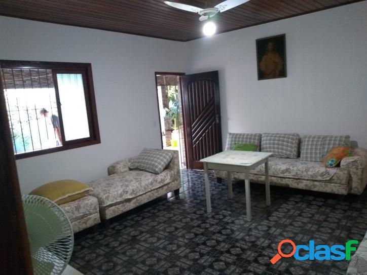 Ótima casa em rua de moradores - a 500 m do mar - itanhaém - sp