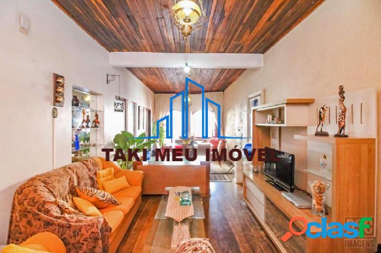 Vende exclusiva casa, tradicional, estilo sobrado, c/sacada, gabinete
