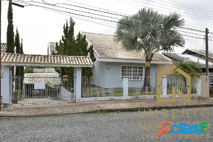 Linda casa a venda semi mobiliada no bairro velha central blumenau sc