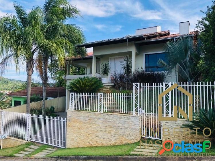Linda casa semi mobiliada a venda no bairro fortaleza em blumenau sc