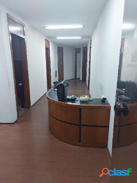Centro, avenida churchill, conjugado com 6 salas para locação, precisando