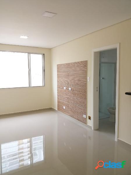 Sala living - vazia- reformada - garagem- praia - embaré