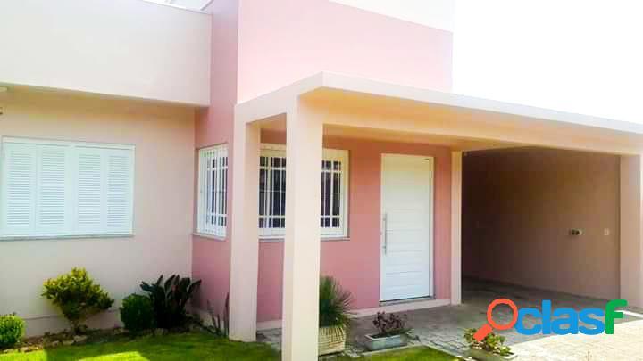 Casa com design moderno - bairro santa rita