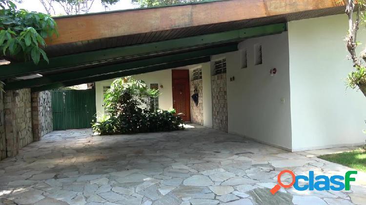 Casa terrea 3 dormitórios 1 suíte 4 vagas ao lado do metrô morumbi