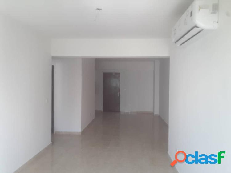(80 M2) Apartamento en venta Urbanización las Chimeneas. 2