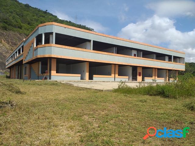 Venta centro comercial con68% en construcción terrazas de castillito 5863m2