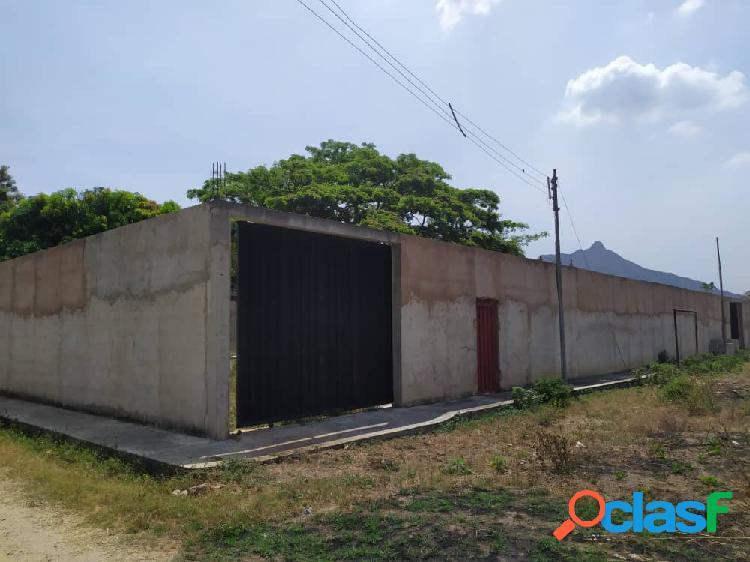 Terreno de 1000 m2 con construcción de casa en obra gris, san diego