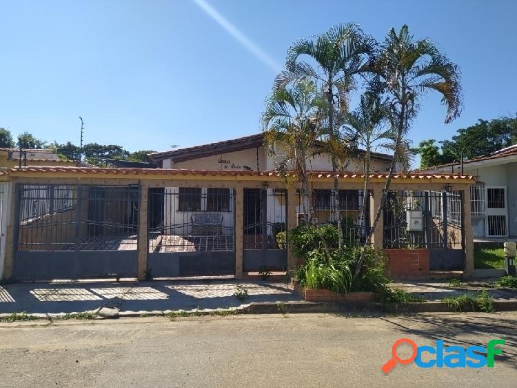 Amplia casa para remodelar en el trigal norte, valencia