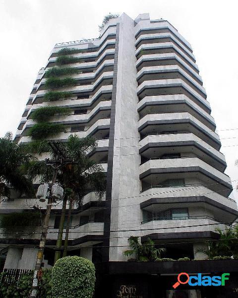 Apartamento em moema 3 quartos, 3 suites,4 vagas, 640m.