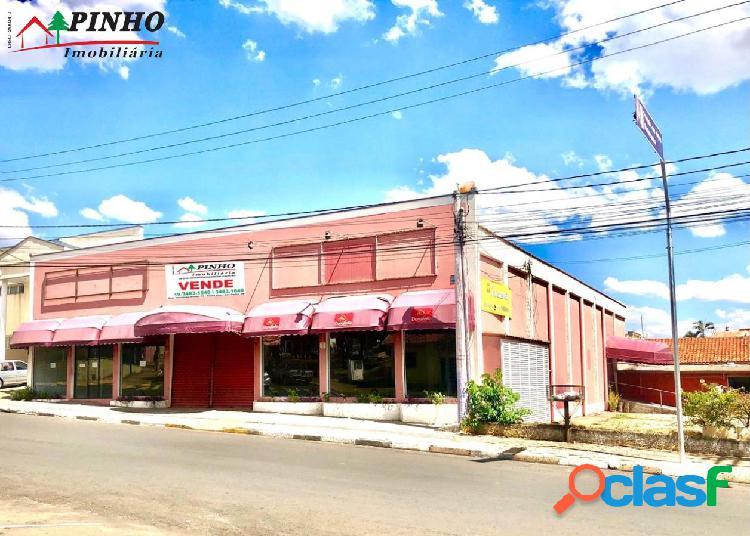 Barracão comercial, localizado no bairro santa cruz