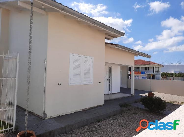 Locação casa semi mobiliada - bairro centro - cidade tijucas/sc - brasil