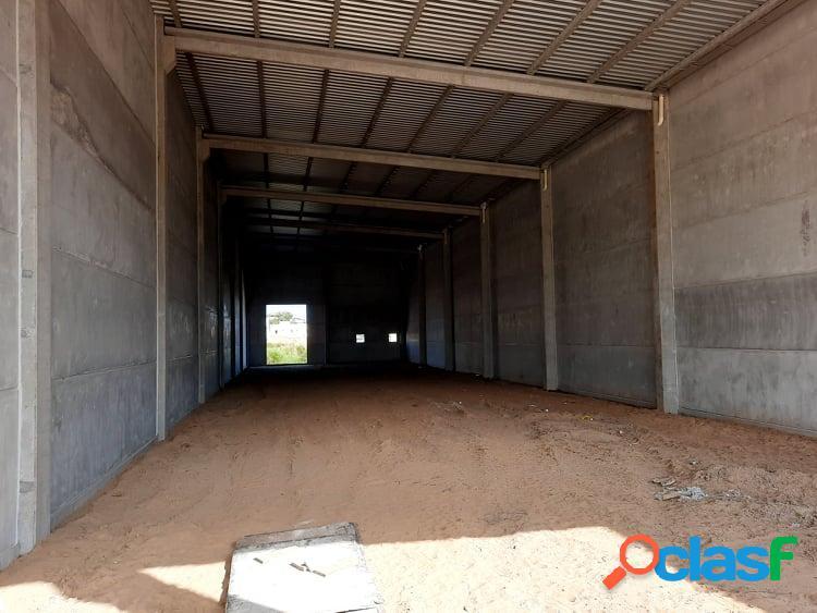 Locação galpões - para fins comerciais - cidade tijucas/sc - brasil