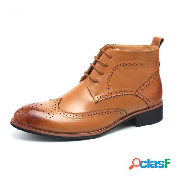 Homens à moda brogue esculpida toe pontiagudo lace up casual ankle boots