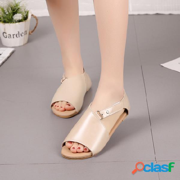 Temporada feminina sandálias europa e américa tamanho grande plana sandálias das mulheres
