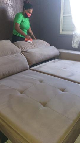 Limpeza e higienização em sofá retrátil 9 9 3 5 8 1 1 1